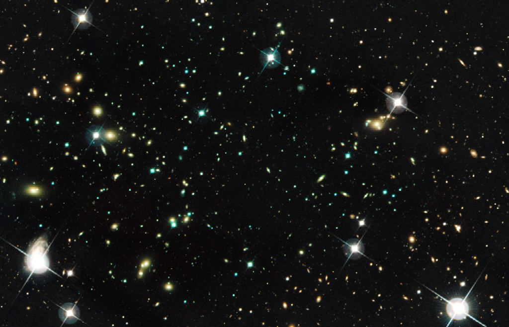 Abell 520 galaxy cluster (nicknamed The Train Wreck ...