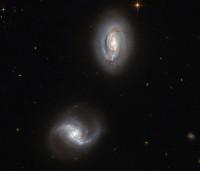 Markarian 1034, PGC 9071 & PGC 9074