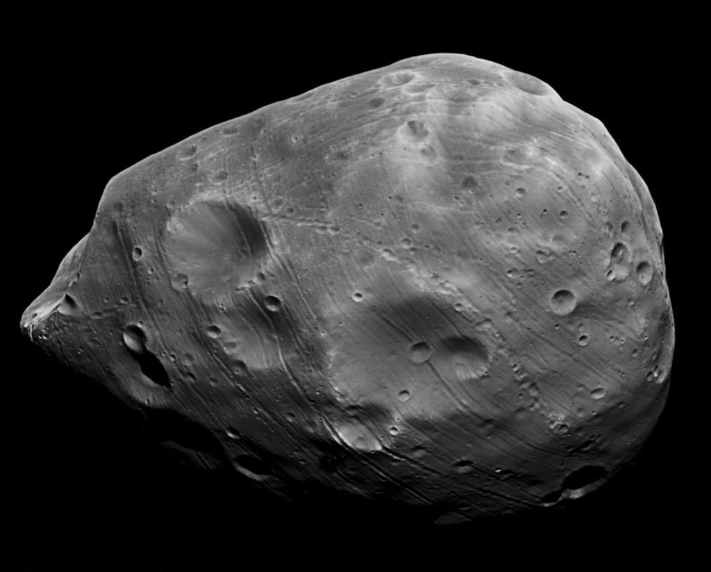 Marss Largest Moon Phobos 22 Kilometres In Diameter 13 Miles And
