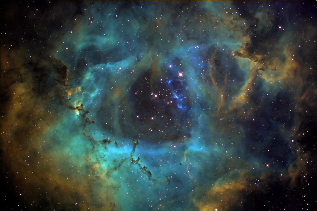 NGC 2244 is an open star cluster in the Rosette Nebula, 5.200 ly away in the Milky way toward Monoceros. It has several O-type stars (super hot stars that generate large amounts of radiation and stellar winds)