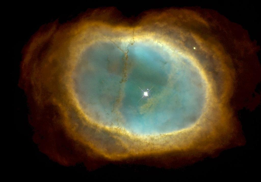 NGC 3132, a bright planetary nebula in Vela