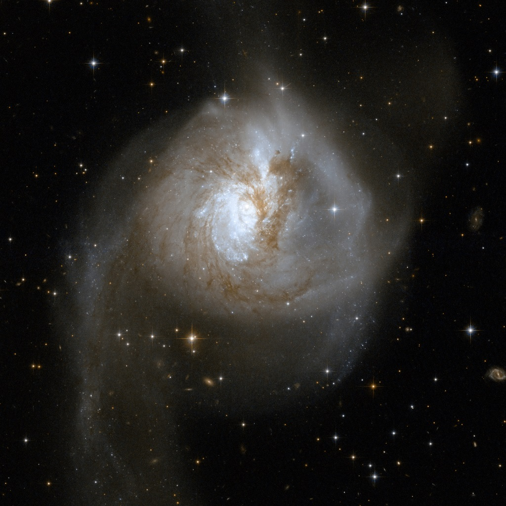 Anne&#039;s Picture of the Day: Distorted Galaxy NGC 3256