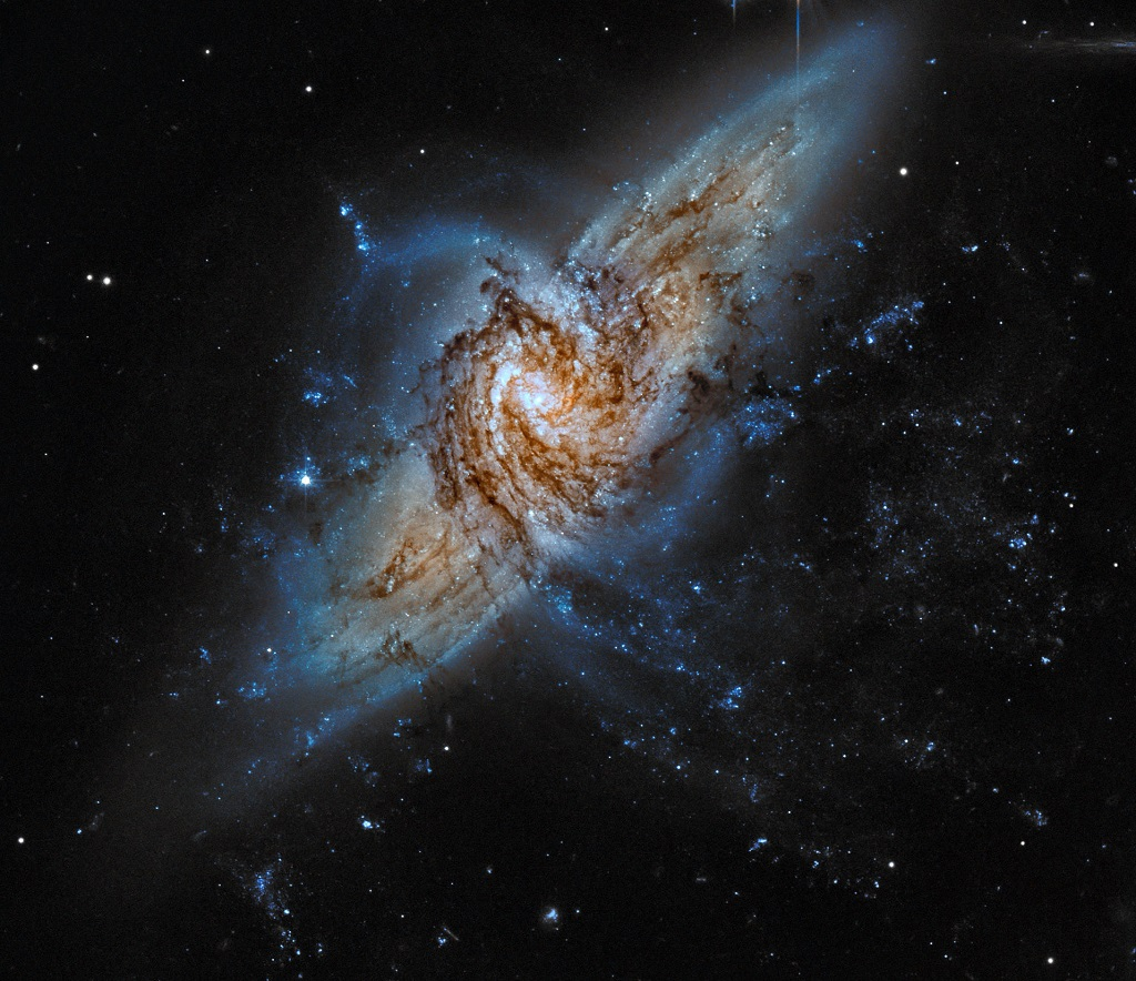 NGC 3314, a pair of overlapping galaxies in Hydra   Anne's ...