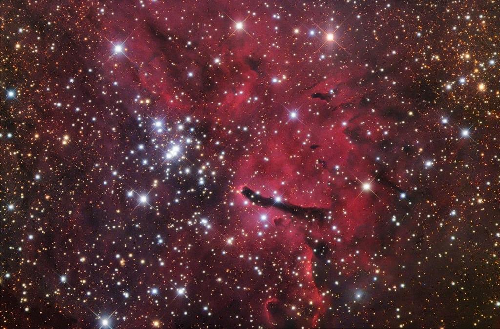 Sh 2-86, NGC 6823