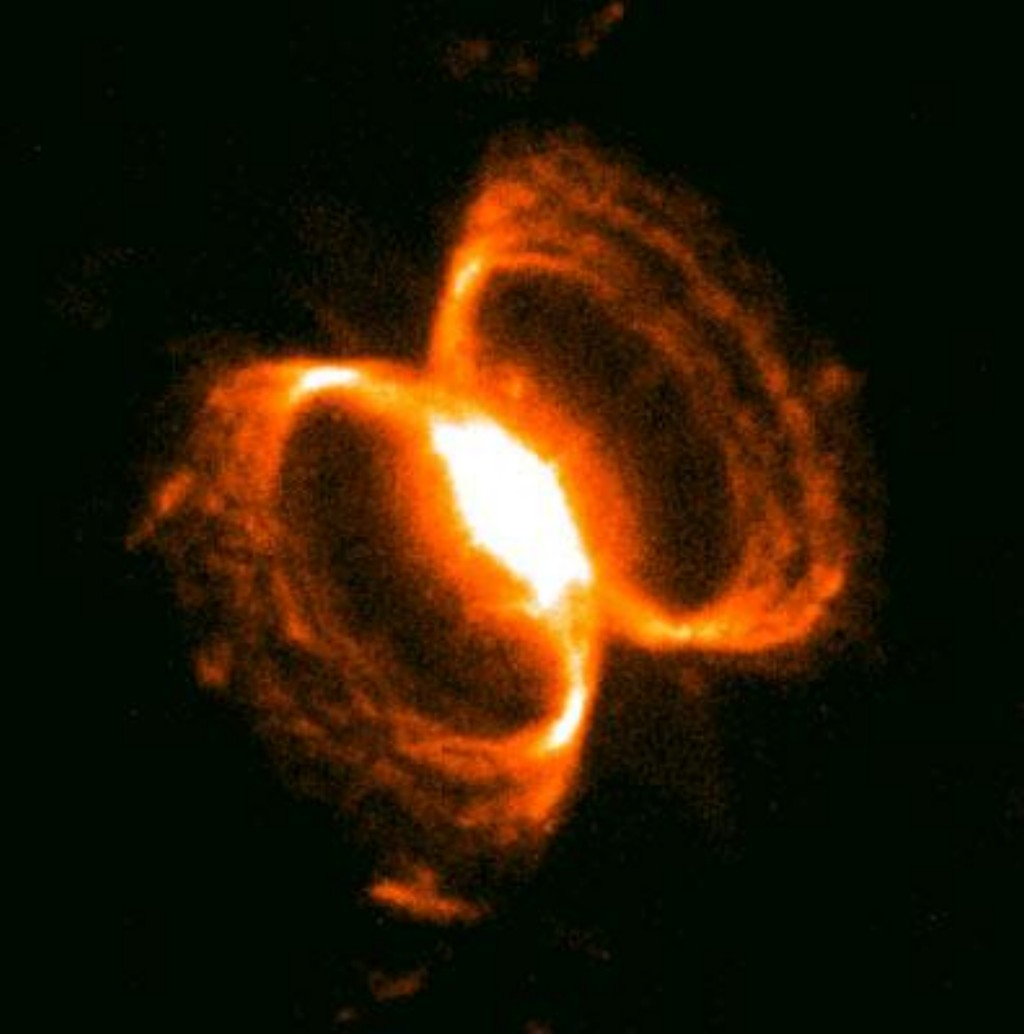 The Southern Crab Nebula: a close up of its center